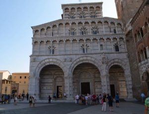 16__Dom_in_Lucca